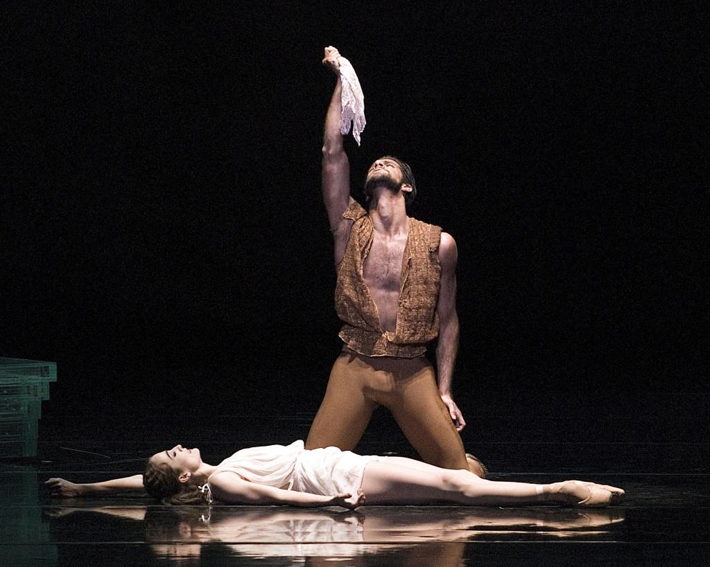 Othello. Dancers: Gomes, Kent.