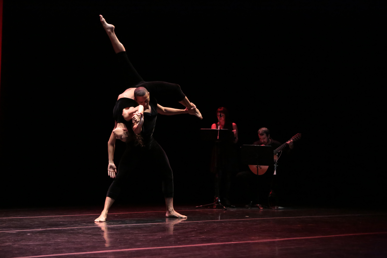 Vez, Photo by Steven Schreiber. Dancers: Nicole Corea and Clifton Brown